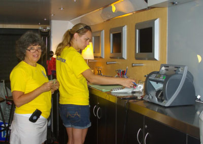 whitby-ribfest-volunteers-1-47
